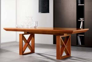 restavratsiya derevyannoj mebeli v domashnih usloviyah 300x204 Своевременный ремонт деревянной мебели новая жизнь мебели